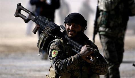 """صورة قتلى لـ""""قسد"""" بقصف لتنظيم """"الدولة"""" شرق دير الزور"""
