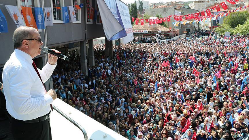 صورة أردوغان: لا يمكن تركيع الشعب التركي عبر الدولار