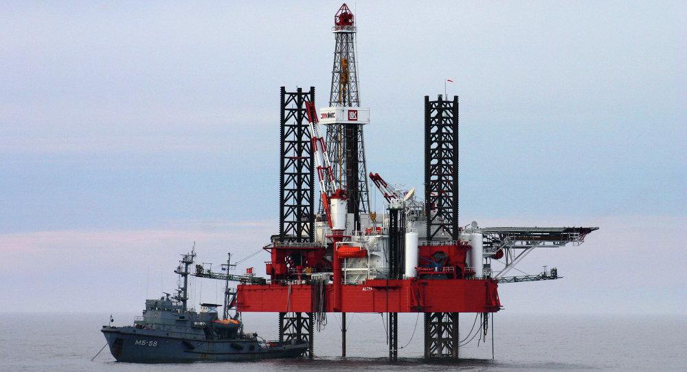 صورة خطوة مفاجئة..دولة خليجية توقف تصدير النفط إلى الولايات المتحدة