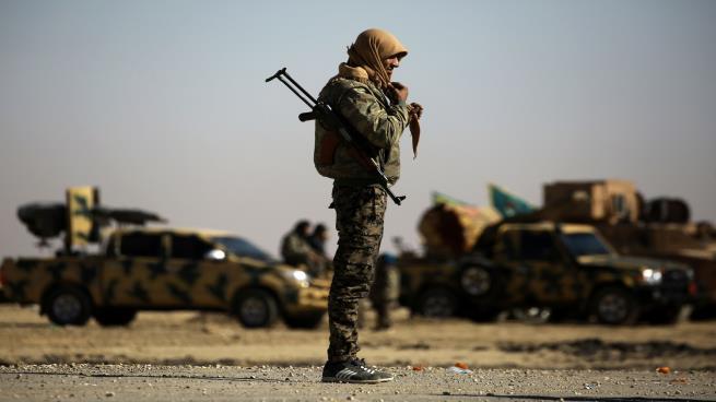 """صورة التحالف يدفع بتعزيزات لمواجهة """"داعش"""" شرقي سورية"""