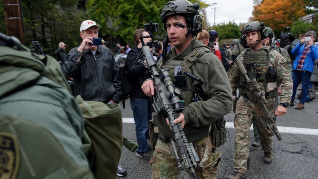 صورة صنداي تايمز: أميركا على حافة حرب أهلية