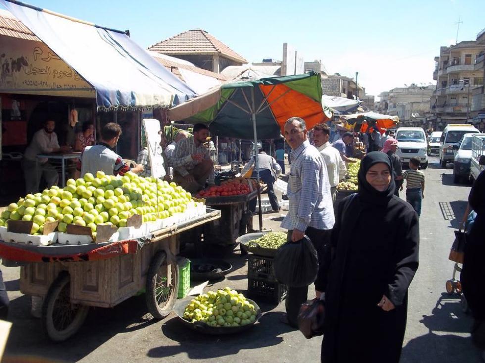 صورة الحريري: اتفاق إدلب نقطة تحول نحو انتقال سياسي شامل
