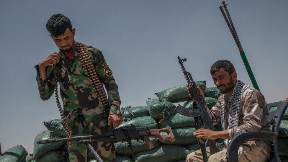 صورة ميليشيات إيرانية تعزز قواتها غرب نهر الفرات