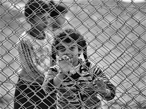 """صورة الأسد ينتهك """"سوتشي""""..يقصف ويهجر"""
