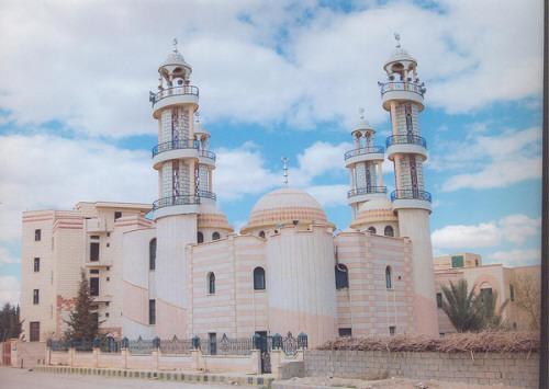 صورة إيران تفرض الأذان الشيعي بدير الزور