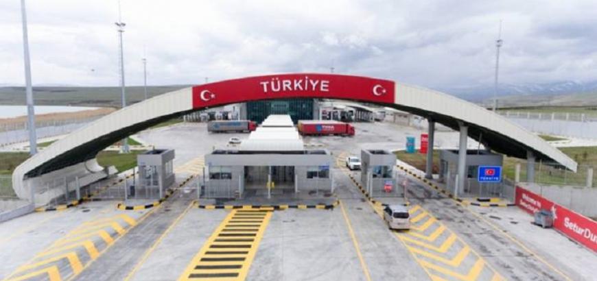"""صورة تركيا تفتتح معبر حدودي مع """"عفرين"""" اليوم"""