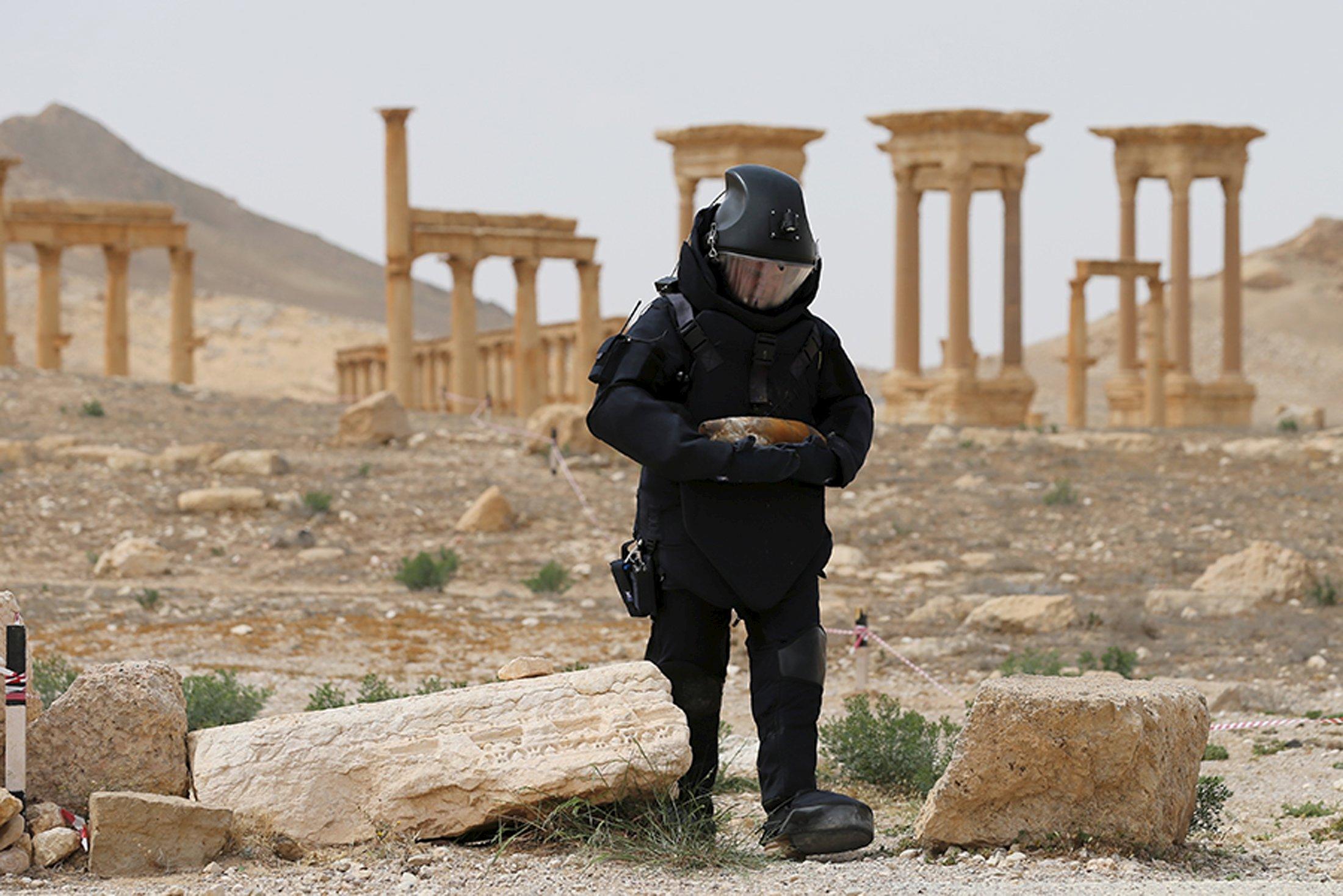 صورة تدمر..من مدينة أثرية إلى قاعدة عسكرية