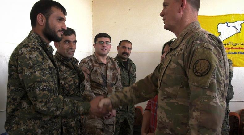 """صورة التحالف الدولي يلتقي قيادات """"قسد"""" في عامودا"""