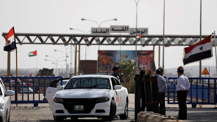 صورة الأردنيون يتسوقون بدمشق والسوريون يتحسرون