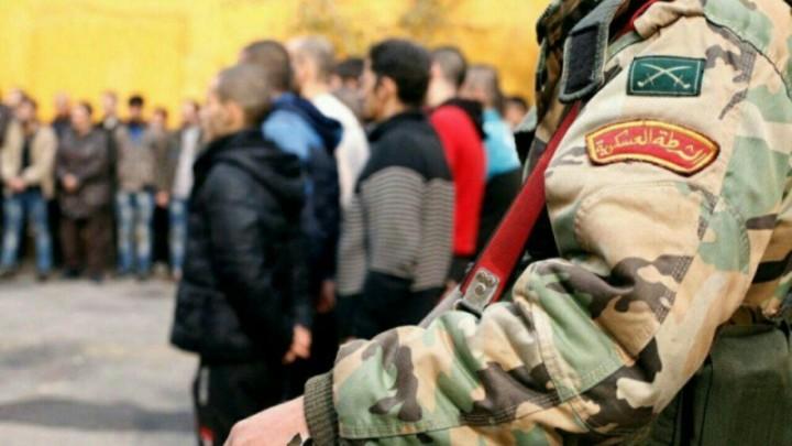 صورة درعا..لجنة التفاوض ترافق الشباب إلى شعب التجنيد