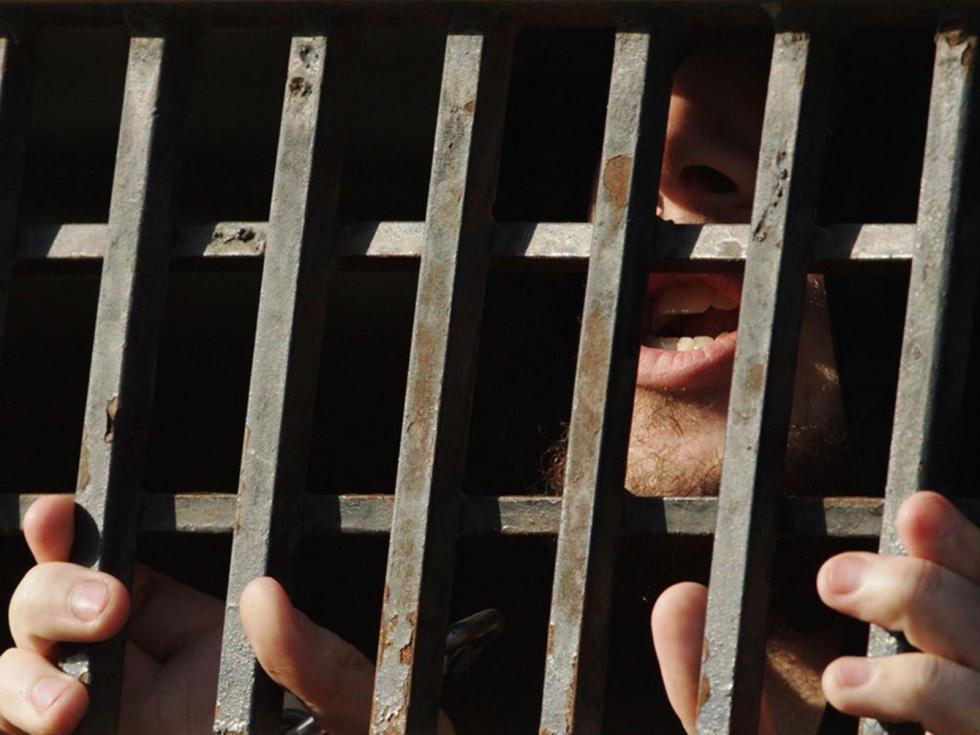 صورة النظام السوري يعتقل مئات المدنيين خلال شهر
