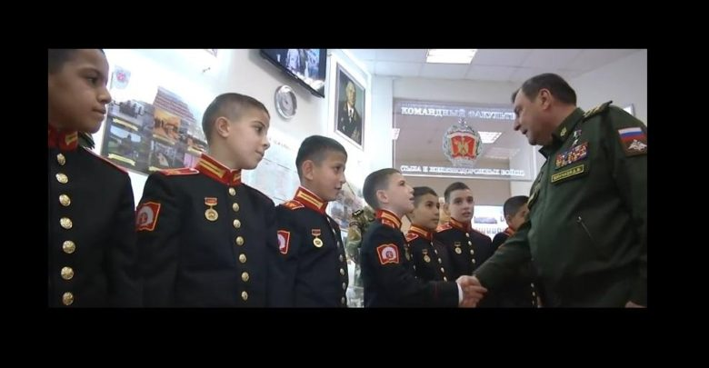 """صورة عسكريون من قوات النظام يخضعون لامتحان """"روسي"""""""