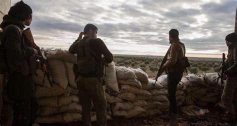 """صورة اغتيال مقاتلين من """"الحر"""" قرب مخيم """"الركبان"""""""