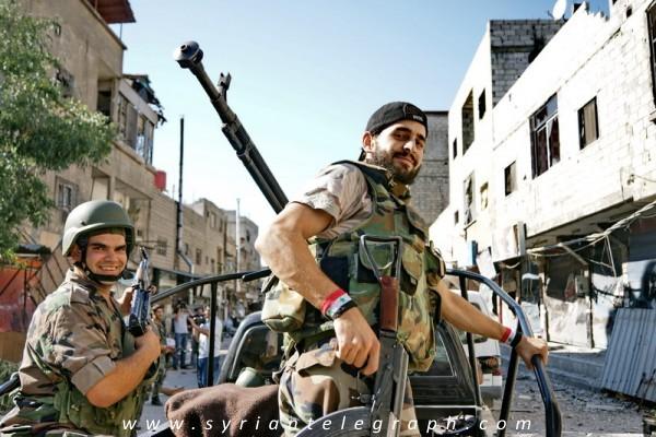 صورة للمرة الثالثة..شبيحة حماة يطردون محافظها