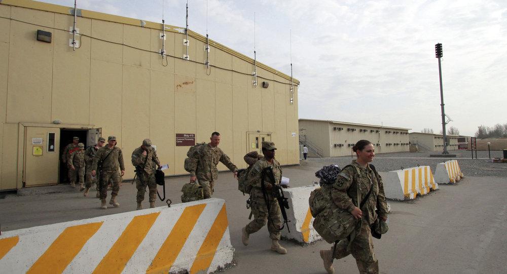 صورة قاعدة أمريكية حديثة ضخمة بدير الزور