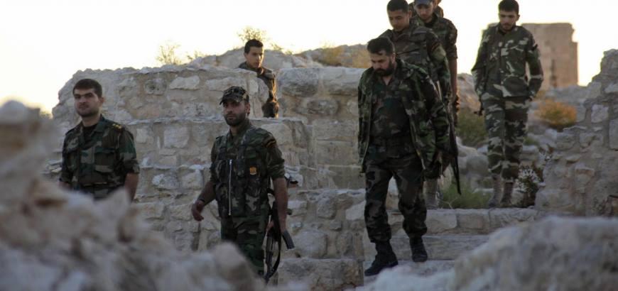 """صورة حرب بالأسلحة المتوسطة بين شبيحة حماة بعد خلاف على """"راقصة"""""""