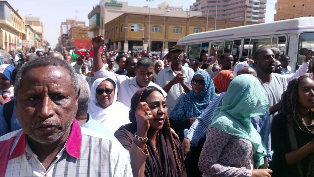 صورة السودان: تجدد المظاهرات في ثلاث مدن