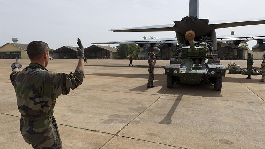 صورة فرنسا: لدينا قوات برية في سوريا