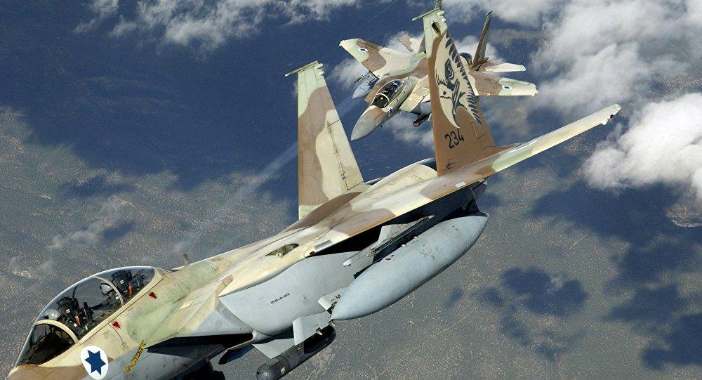 صورة مقاتلات إسرائيلية تغير على مواقع بدمشق