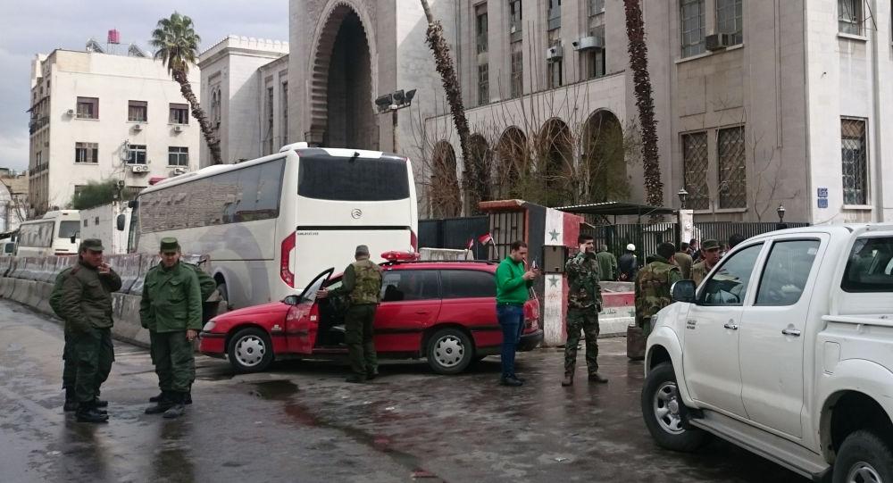 صورة تفجير موقعا أمنيا للنظام السوري بدمشق.. والمعارضة تتبنى