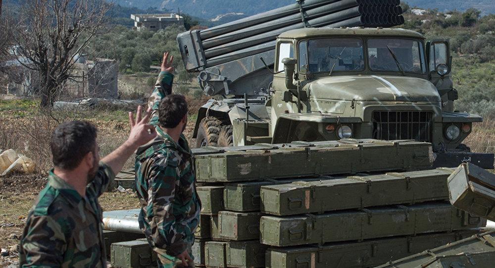 صورة النظام يدفع بحشود عسكرية إلى إدلب وحماة