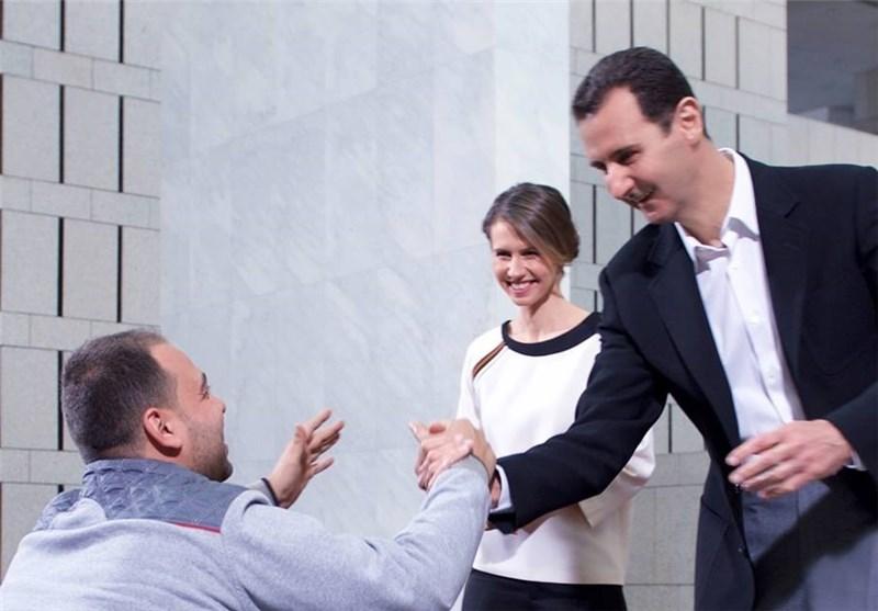"""صورة بشرط أن يكون عاجزاً بنسبة 50% وما فوق..الأسد يمنح كل عنصر مصاب """"هاتف ثابت""""!"""