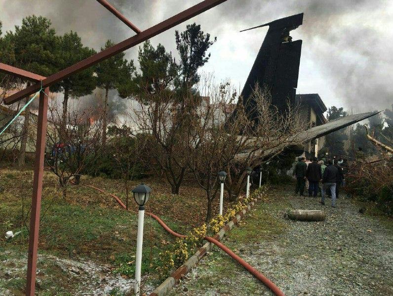 صورة قتلى وجرحى بتحطم طائرة شحن عسكرية إيرانية