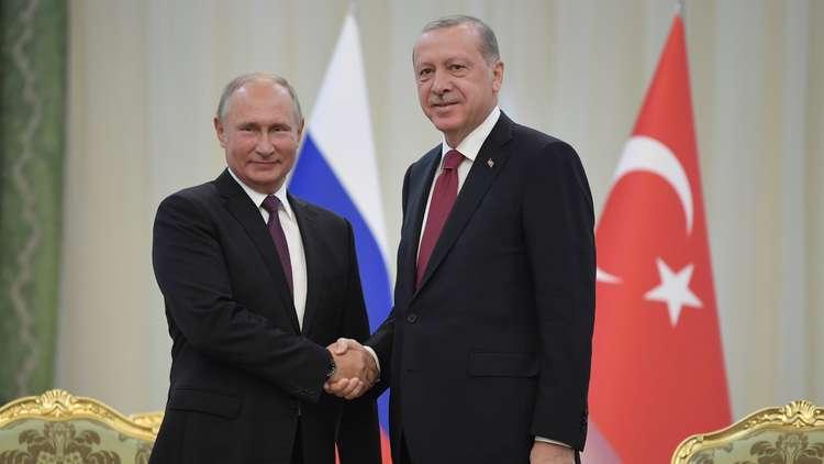 صورة بوتين: نؤيد الحوار بين الأسد وقسد