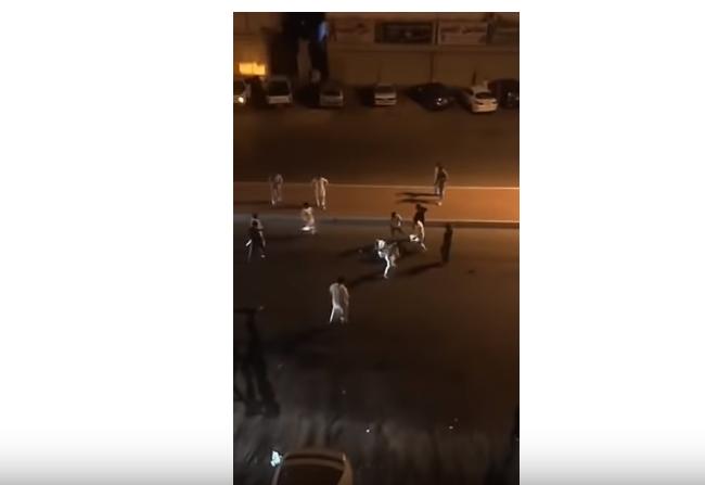 صورة بالفيديو.. شجار جماعي دموي بالسعودية يخلف ضحايا