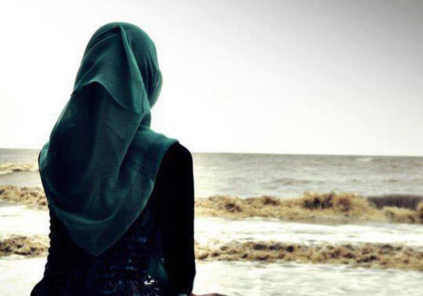 """صورة وزيرة كندية: الحجاب """"رمز الاضطهاد"""".. وويزة زميلة تتصدى لها"""