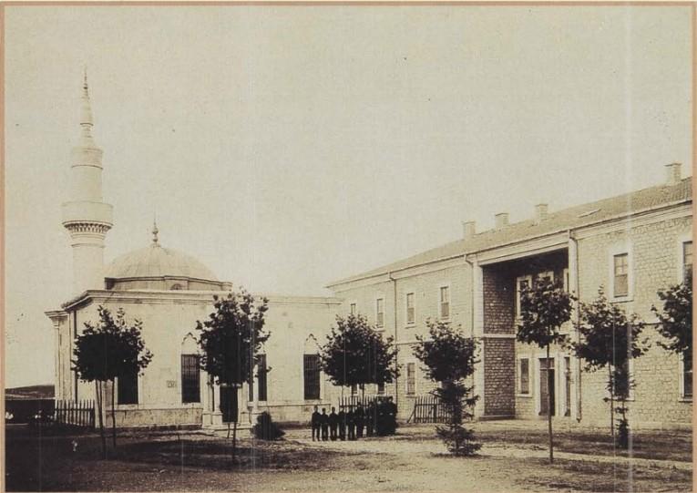 """صورة تعرف على """"دار العجزة"""" التي بناها السلطان """"عبد الحميد"""" قبل 124 عاماً.. والتي لا مثيل لها بالعالم"""