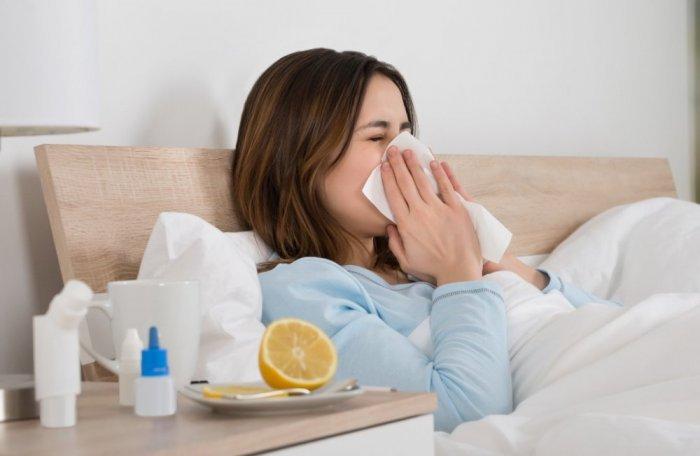 صورة كيف يمكنك التمييز بين الإنفلونزا ونزلة البرد؟.. معلومات صحية عليك معرفتها