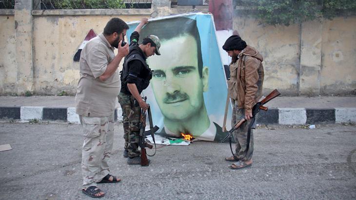 صورة سوريون يحاكمون 25 مسؤولاً بنظام الأسد