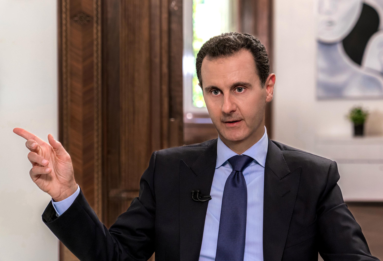 صورة بشار الأسد يخفي المعتقلين مجددا.. ويطلق سراح المجرمين