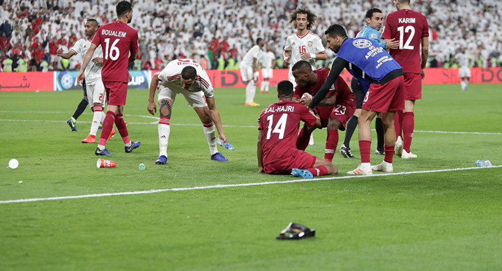 صورة كأس آسيا.. معاقبة الإمارات بسبب المخالفات ضد المنتخب القطري