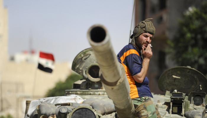 صورة الفليق الخامس يهاجم مخابرات الأسد بدرعا