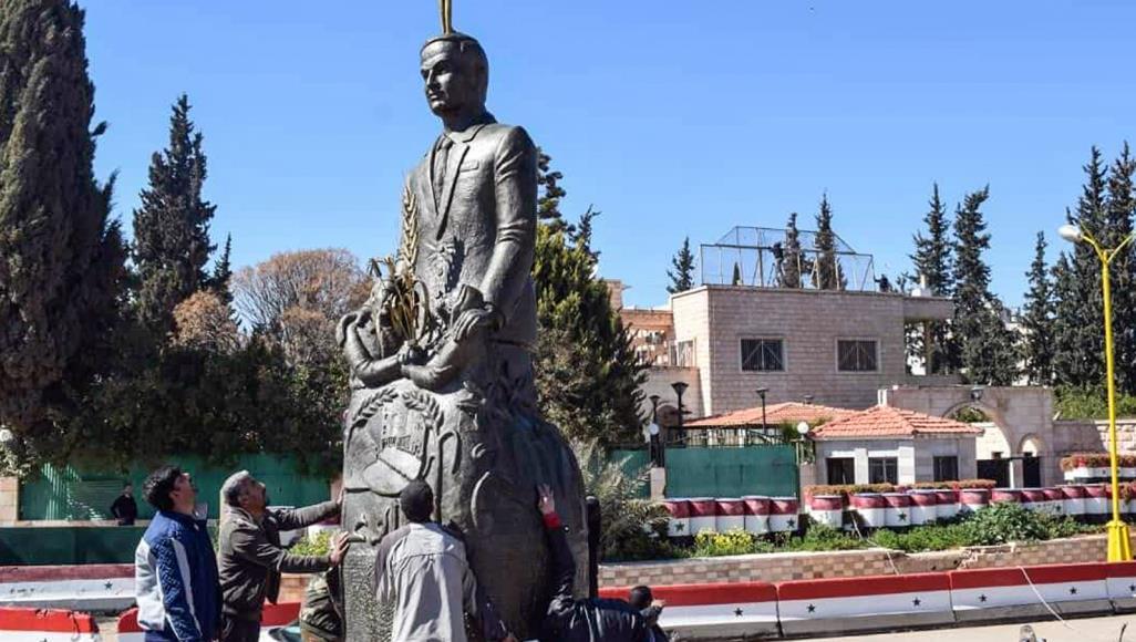 صورة إعادة تمثال الأسد بدرعا.. هل يعيد الثورة لمهدها؟
