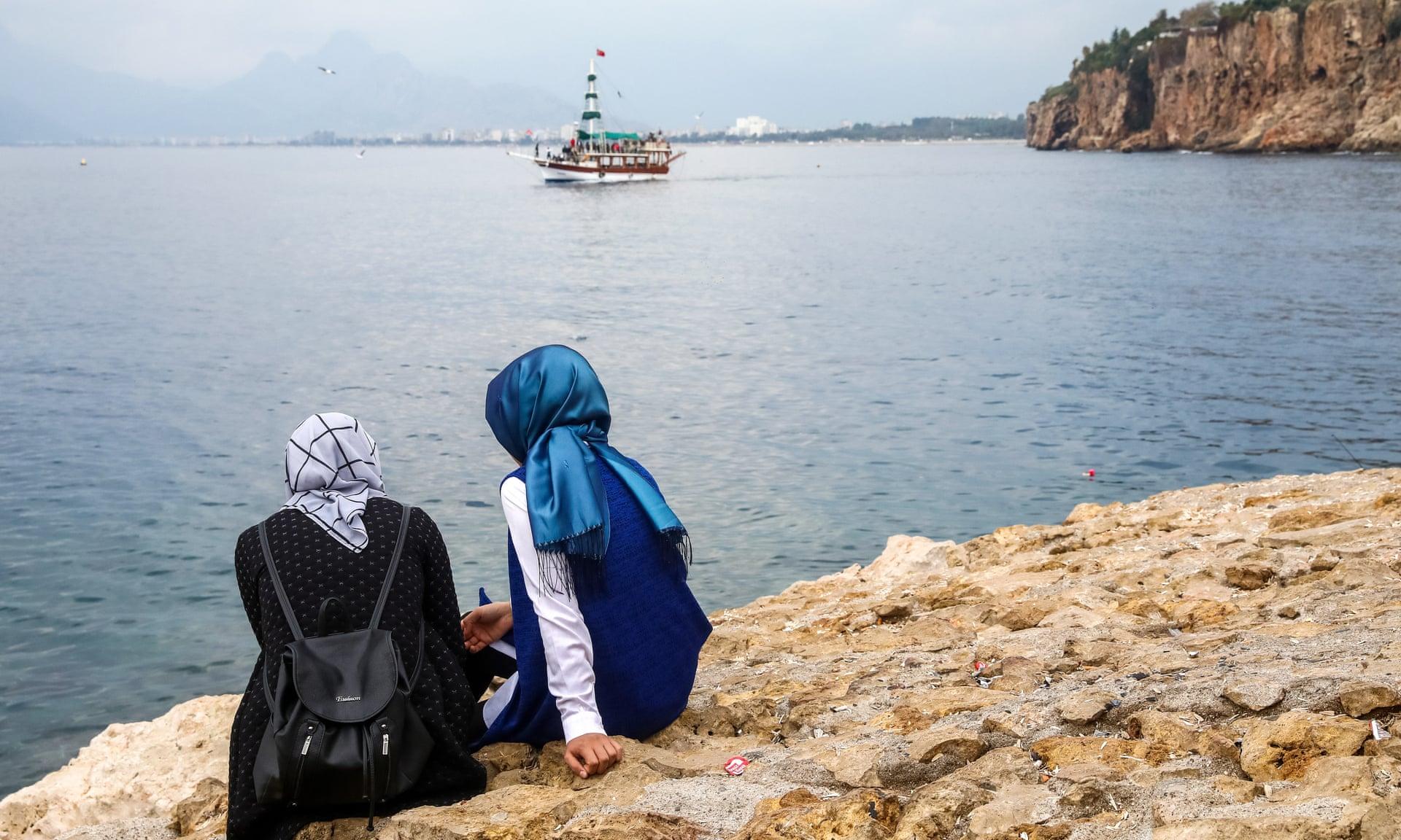 صورة أنطاليا التركية تهجر الخمور لجذب السياحة الحلال