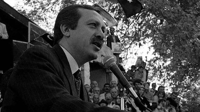"""صورة أردوغان: """"مساجدنا ثكناتنا..مآذننا حرابنا.. والمؤمنون جنودنا""""- شاهد"""