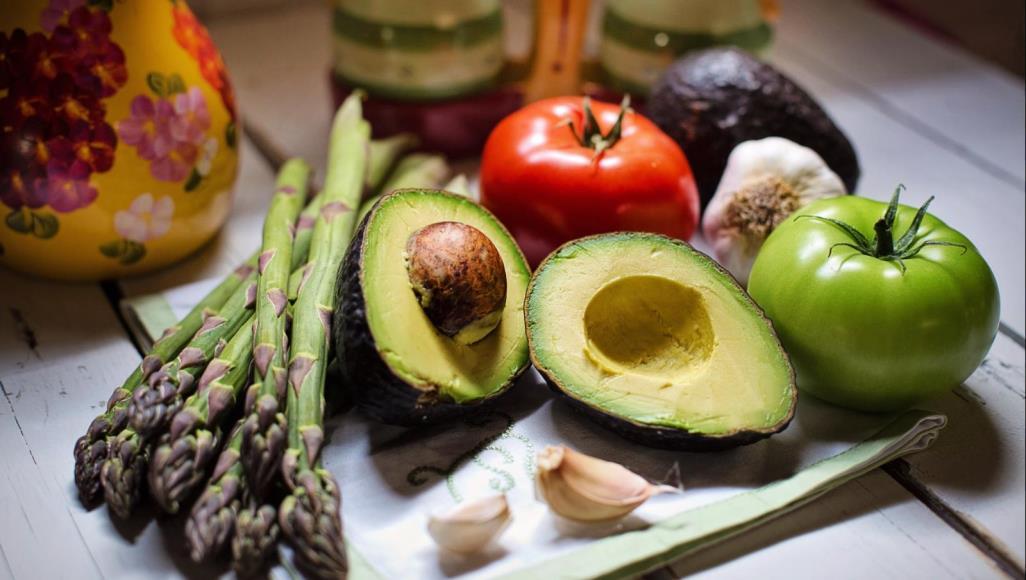 صورة ألوان قوس قزح على مائدتك تحمي صحتك