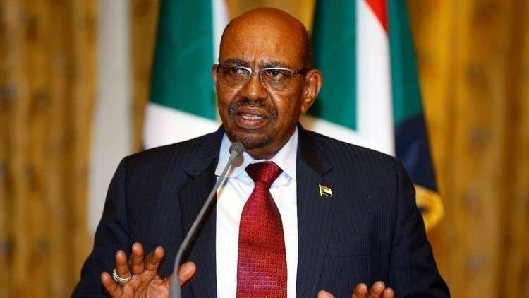 """صورة الجيش السوداني يطيح بـ """"البشير"""" ويعتقل مساعديه"""