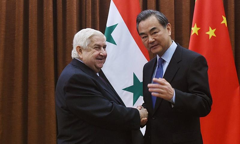 """صورة بعد روسيا.. هل يستنجد الأسد بـ""""الصين"""" بذريعة إعادة الإعمار؟"""