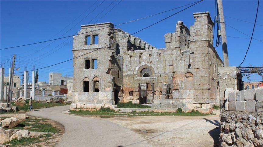 """صورة كنيسة """"قلب لوزة"""" السورية.. مصدر الهام لكاتدرائية نوتردام"""