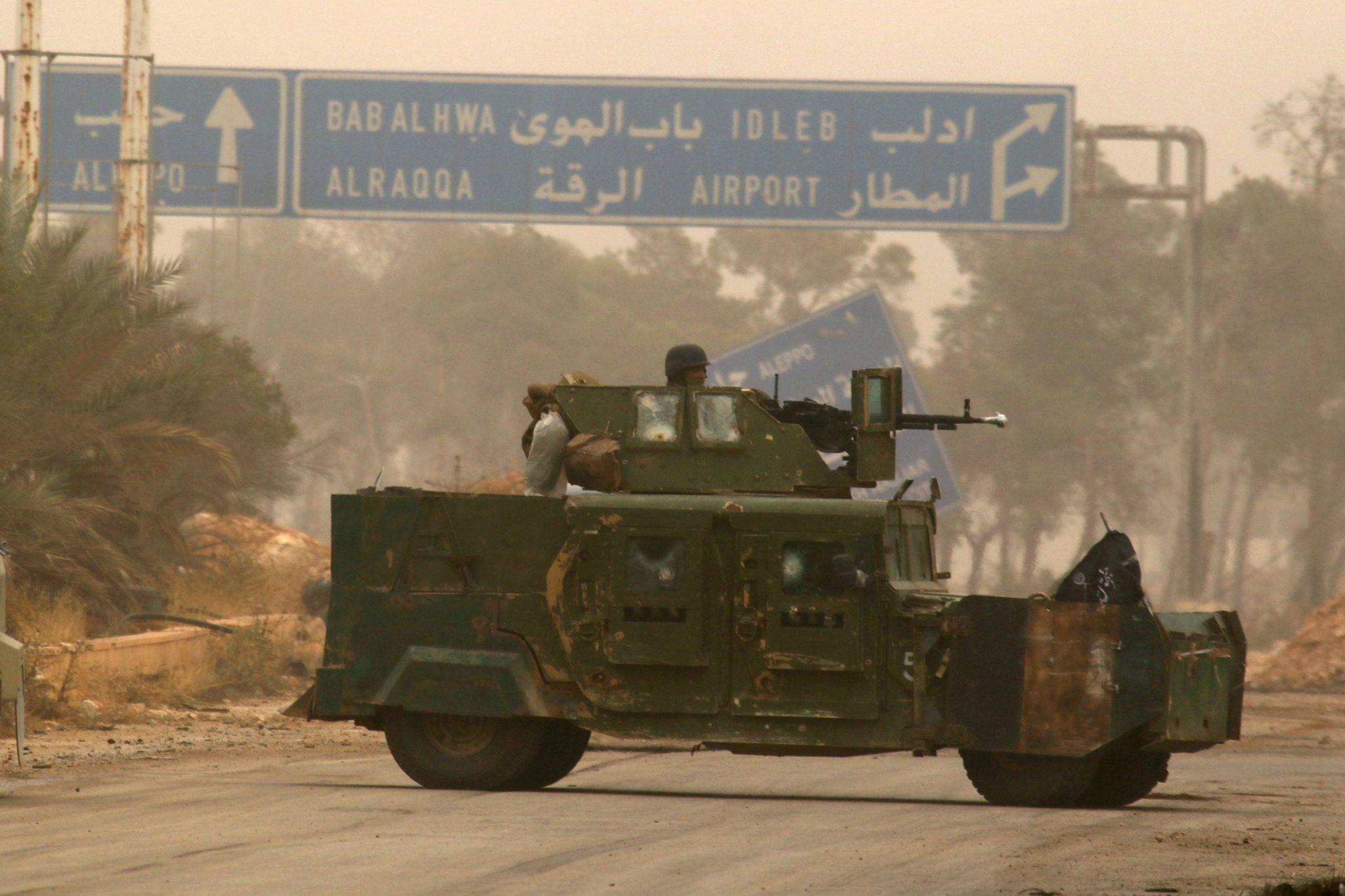 صورة من الدفاع إلى الهجوم.. كيف أفشلت المعارضة خطة روسيا شمالي سوريا؟