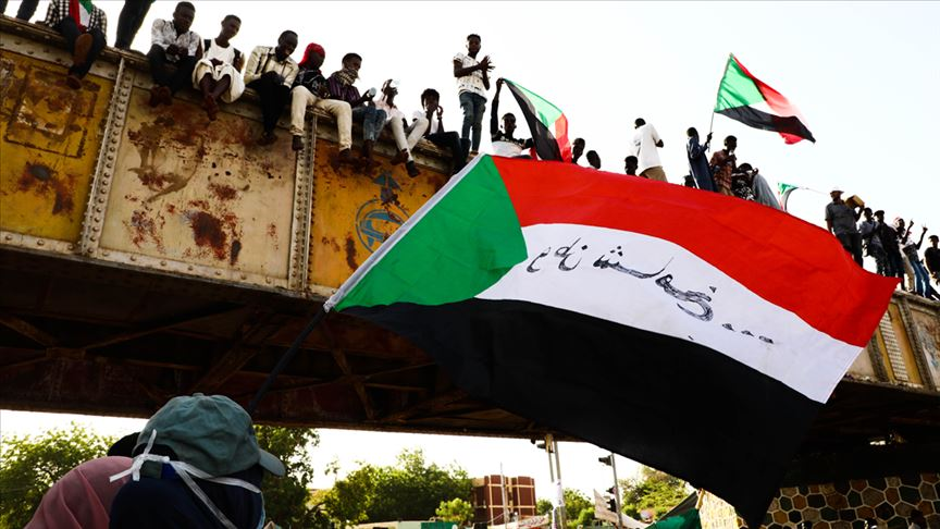 """صورة """"قوى التغيير"""" في السودان: """"العسكري"""" يماطل ومستعدون للتصعيد"""