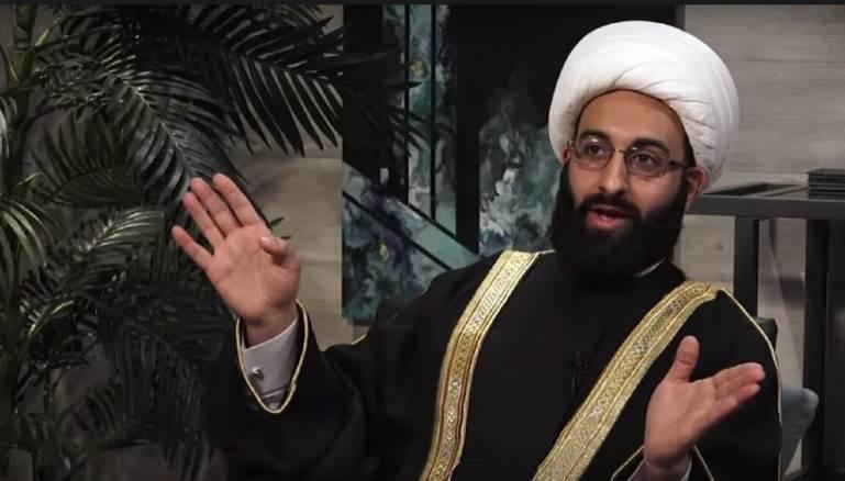 """صورة """"داعية شيعي""""يعشقه اليمين الغربي المتطرف.. من هو محمد التوحيدي؟"""