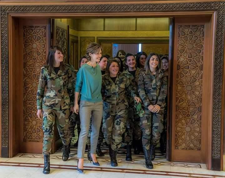 """صورة """"النمر"""" يطالب """"لبوات الأسد"""" بمؤازرته!"""
