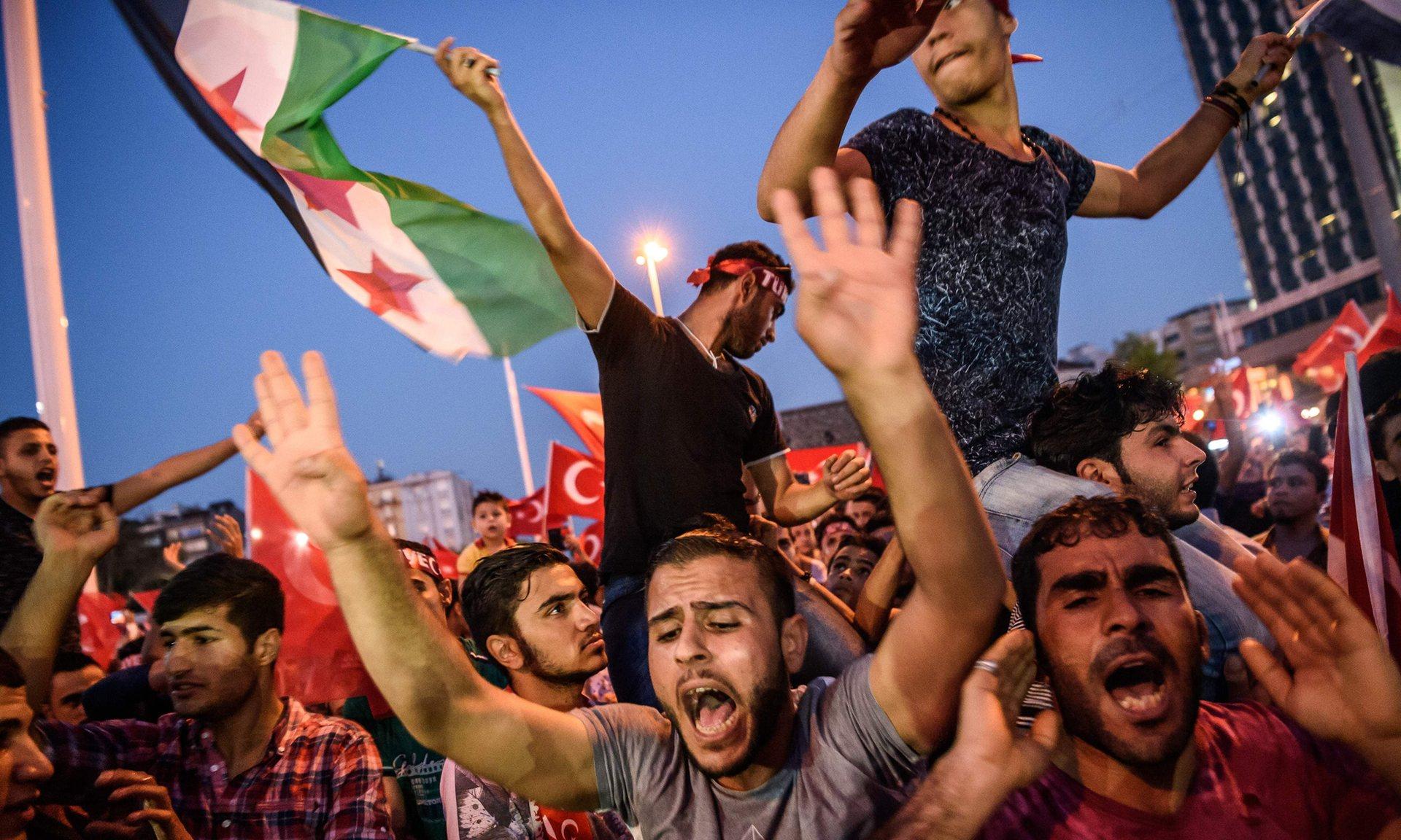 صورة صحفية تركية تنتصر للسوريين وتدافع عنهم