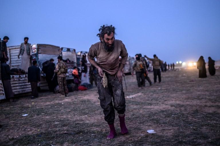 صورة الباغوز السورية.. مدينة الجثث والتنقيب