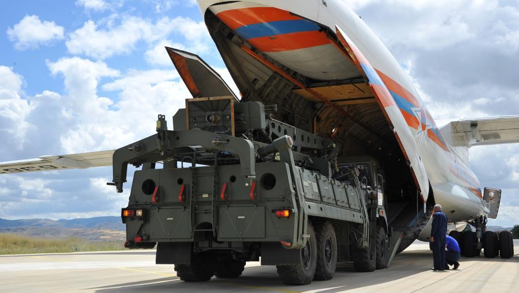 صورة أجزاء صواريخ S-400 تتوافد إلى تركيا